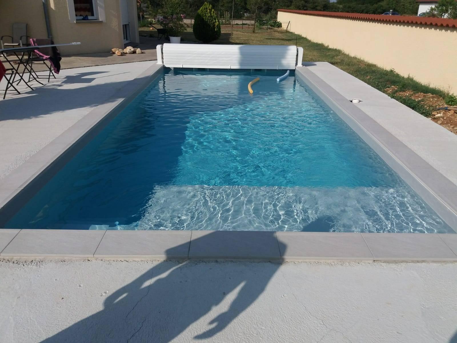Construction D Une Piscine construction d'une piscine en bloc avec margelles grès ceram
